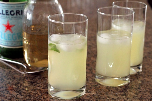 Basil Infused Sparkling Lemonade | Wheat-Free Meat-Free