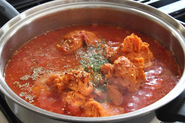 Tomato Pumpkin Pasta Sauce | Wheat-Free Meat-Free